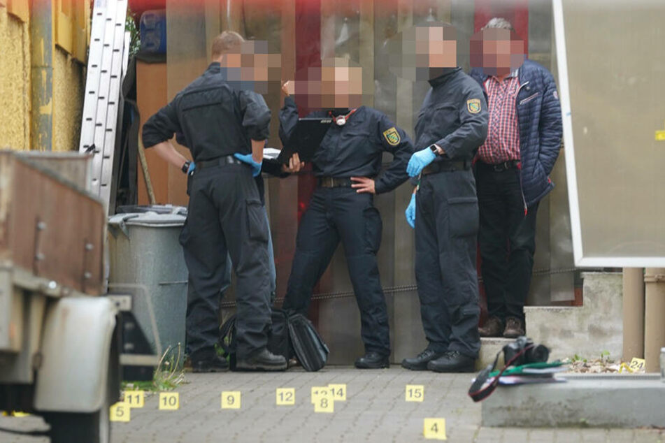 Die Mordkommission hat die Ermittlungen in dem Fall übernommen.
