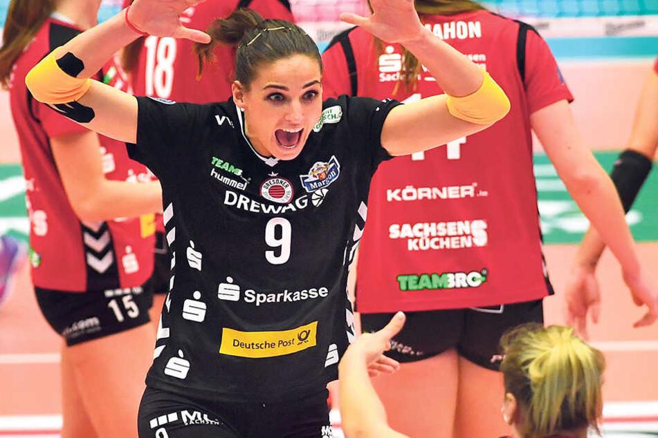 Was für ein Jubel! DSC-Libera Myrthe Schoot klatscht mit Katharina Schwabe (r.) ab.