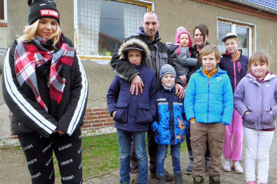 """Sächsische Großfamilie wohnt in Ruine: """"Seit drei Jahren nicht warm geduscht!"""""""