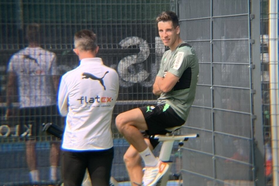 Auf dem Spinning-Bike: Conor Noß (20,r.) war zuletzt eine Woche lang mit der Borussia im Trainingslager in Harsewinkel unterwegs.