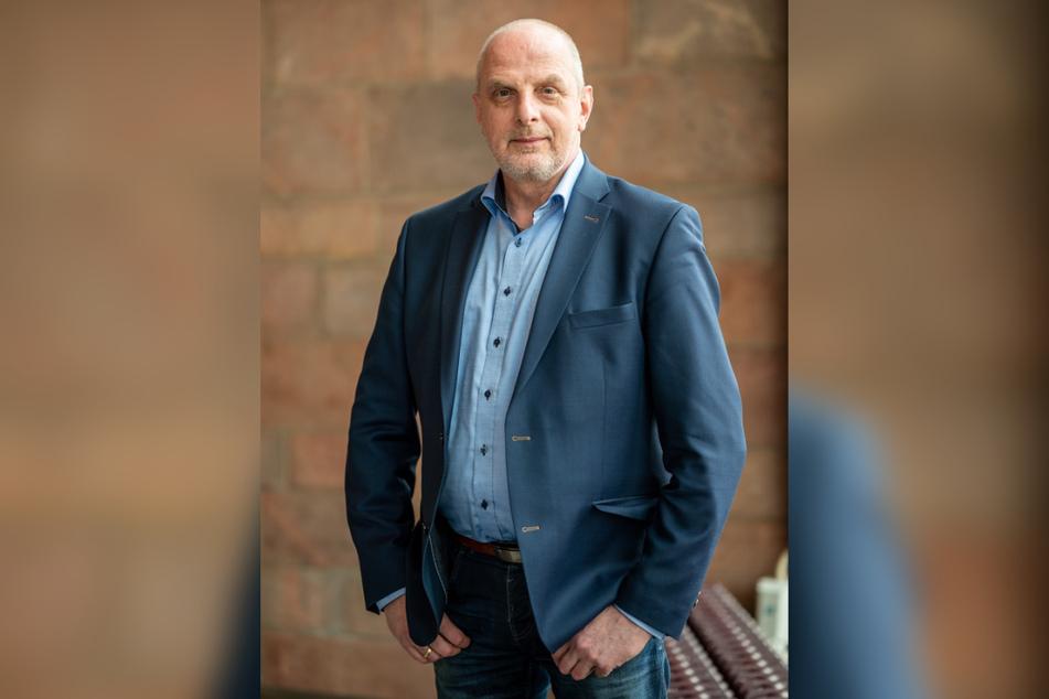 Der SPD-Bundestagsabgeordnete Detlef Müller (56) war ohne Mund-Nasen-Schutz auf dem Chemnitzer Neumarkt unterwegs.