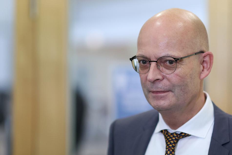 Juristisches Gutachten nach Impf-Skandal in Halle: Kann OB Wiegand belangt werden?