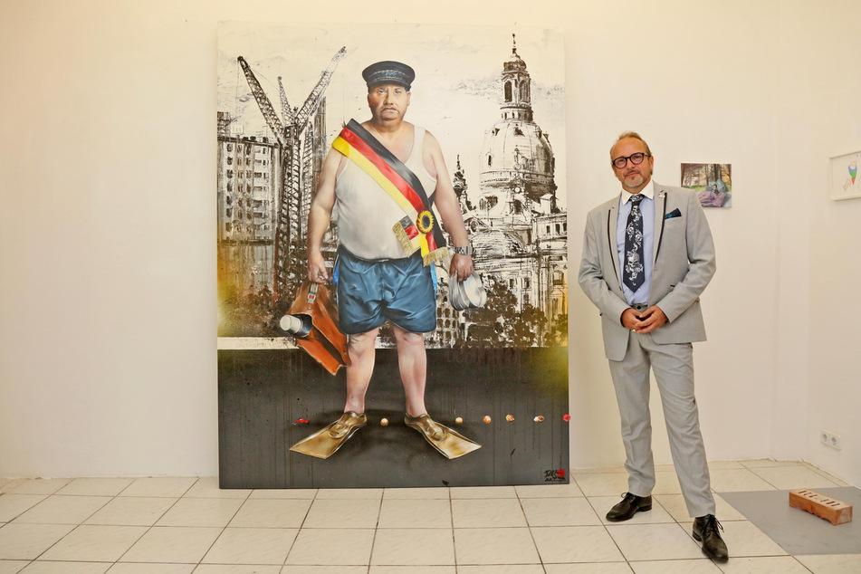 """Jens Müller (54, """"Tasso"""") steht neben seinem neuen Gemälde """"Aktivist a. D."""""""