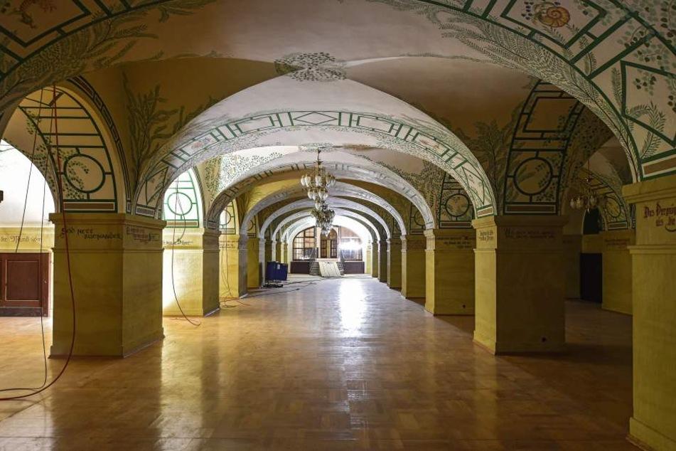 Noch herrscht gähnende Leere in den weitläufigen Gewölben, die einst den legendären Ratskeller beherbergten. Nun soll es hier wenigstens wieder ein Kantinenbetrieb geben.