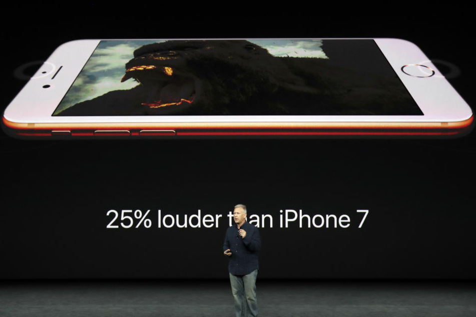 Zunächst wurde das iPhone 8 vorgestellt.
