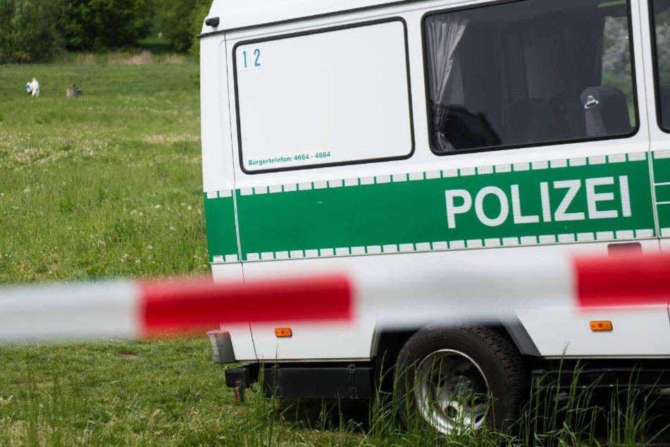 Das Opfer wurde an einem Bach in Euskirchen gefunden. (Symbolbild)