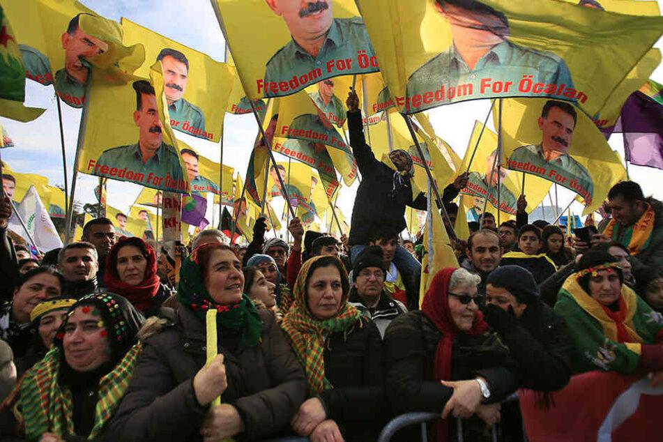 Köln erwartet am Samstag eine große Kurden-Demo. (Archivbild)