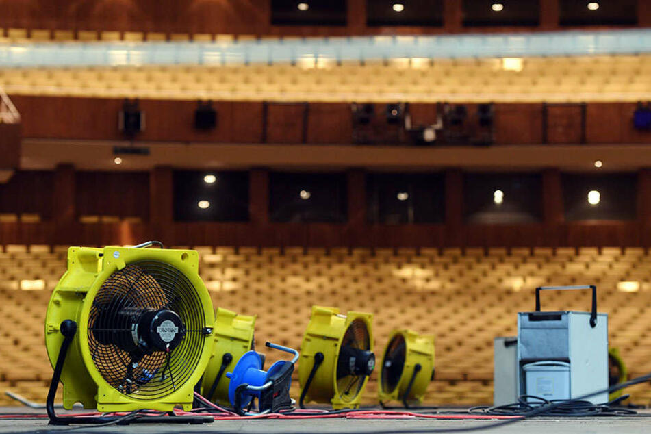 Nach dem Wasserschaden öffnet die Deutsche Oper in Berlin am Donnerstag wieder.