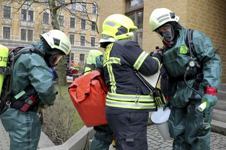 Die Polizei hatte während einer Wohnungsdurchsuchung gefährliche Chemikalien vermutet.