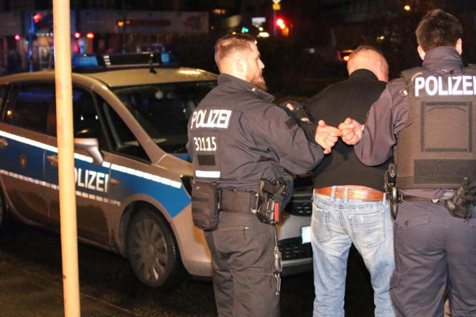 Nach Messerstecherei im Club: Polizei sucht Zeugen