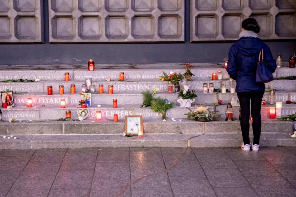 Ein Mahnmal erinnert an die Opfer des Anschlags.