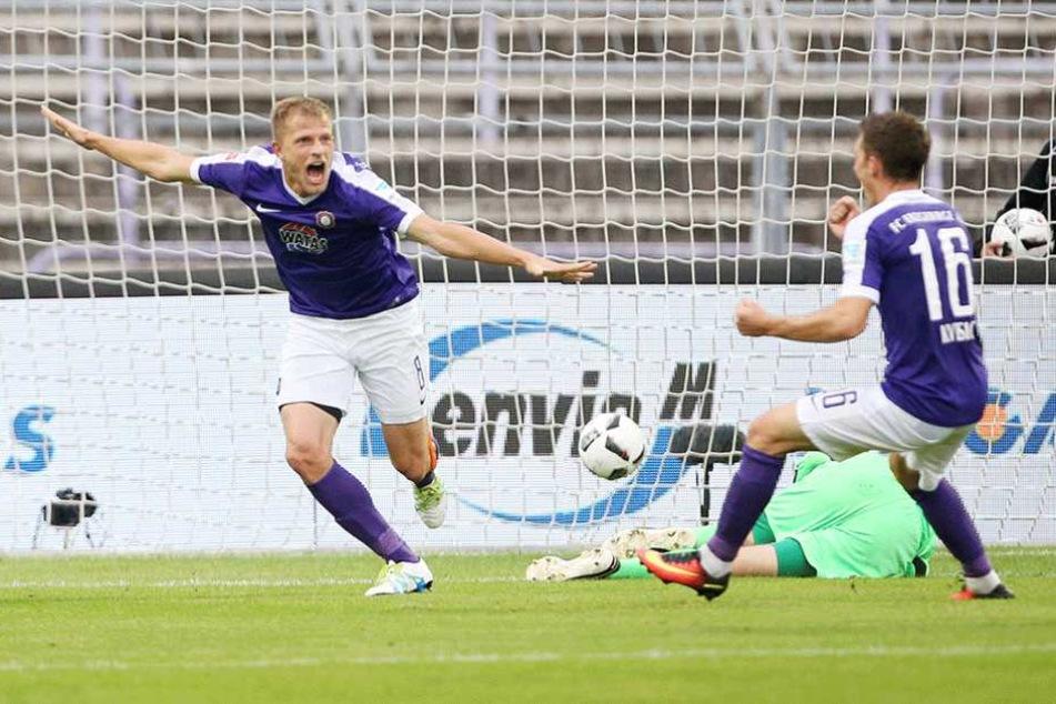 Nicky Adler (l.) nach seinem 1:0 gegen Sandhausen. Der 31-Jährige machte mit einem starken Auftritt gegen Sokolov auf sich aufmerksam.