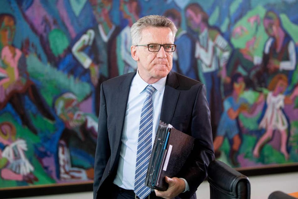 Bundesinnenminister Thomas de Maizière (63, CDU) bestätigte, dass auch zwei Deutsche unter den Verletzten in London sein.