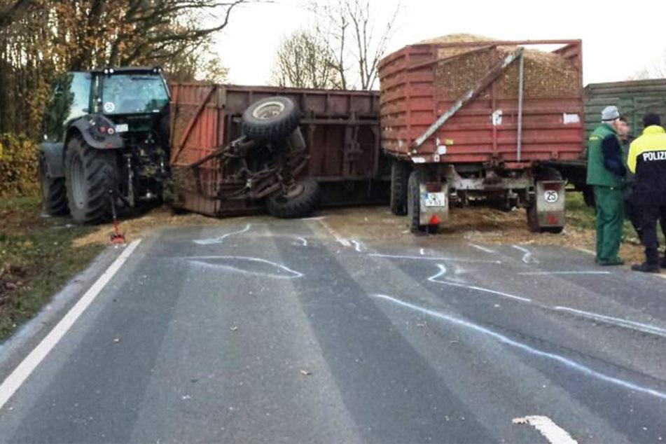 Tödliches Überholmanöver: Traktor mit zwei Anhängern überfährt Radfahrer