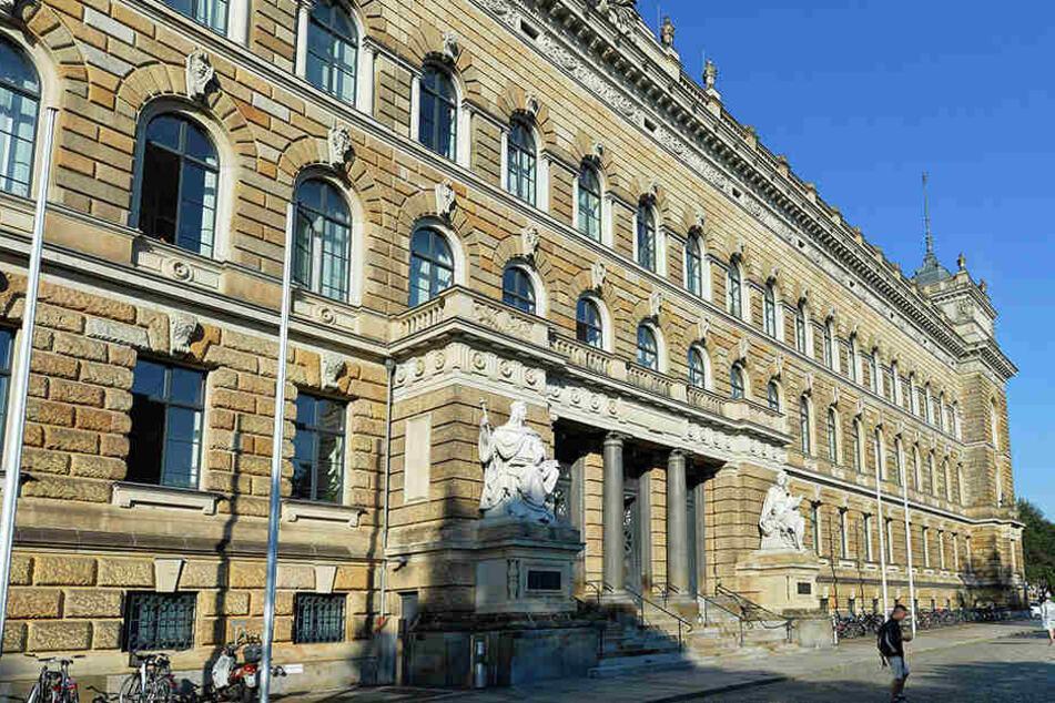 Nahe des Dresdner Landgerichts wurde die 14-Jährige Opfer einer sexuellen Belästigung.