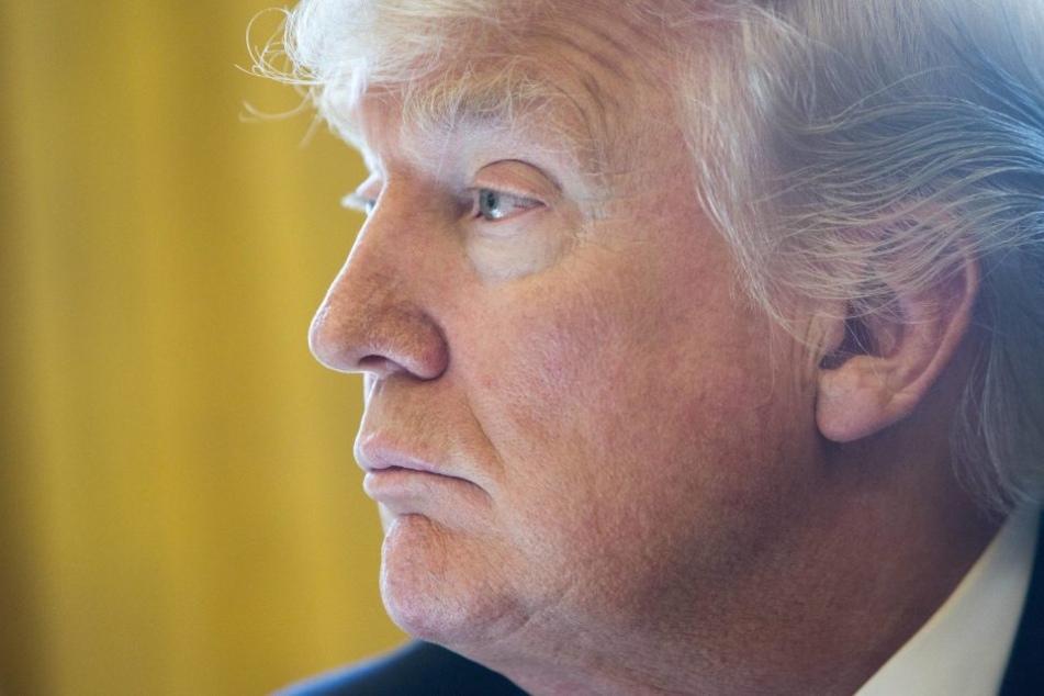 Nächster Rückschlag für den neuen Präsidenten. Sein eigener Kandidat für eine freie Stelle im Supreme Court stellt sich gegen ihn.