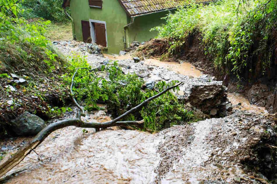 Landunter nach Gewitter: Überflutungen im Kreis Limburg-Weilburg