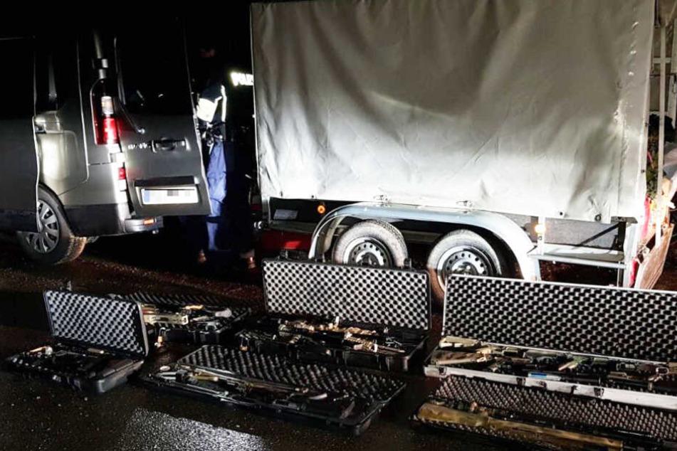 Die Bundespolizei hat auf der Autobahn 96 einen Transporter gestoppt.