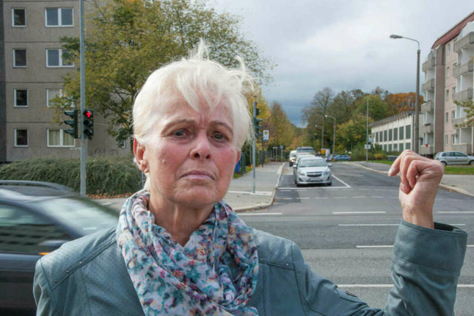 """Hannelore Lorenz (78): """"In Schloßchemnitz sind die Martinshörner besonders laut."""""""