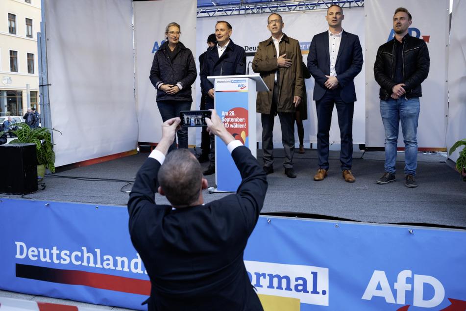 Alice Weidel (v.l.n.r.), Tino Chrupalla, Jörg Urban und Sebastian Wippel liegen mit ihrer AfD bei der Bundestagswahl in Sachsen nahezu flächendeckend vorn.