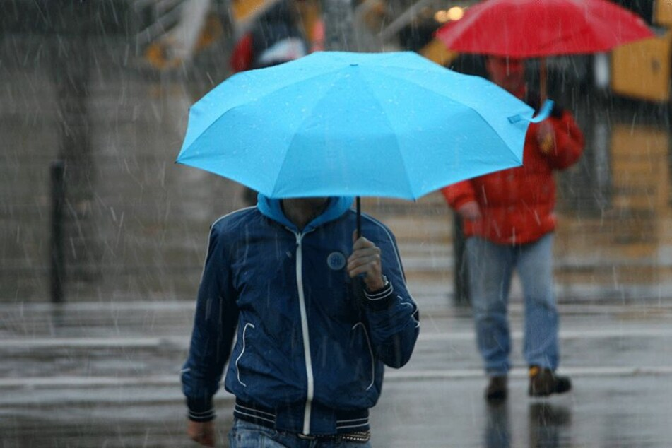Zu Ostern wird der Regenschirm als Begleiter dringend gebraucht.