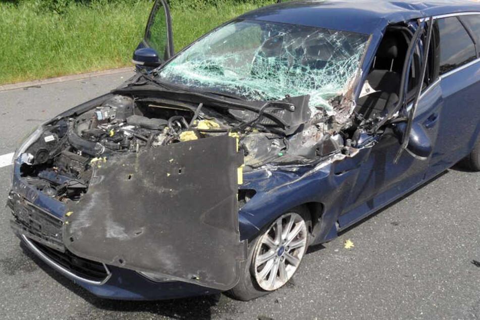 Der Ford Mondeo der beiden Potsdamer musste abgeschleppt werden.