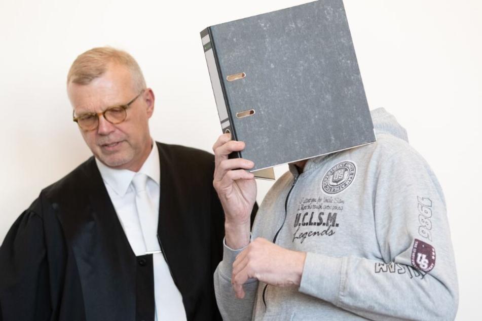 Der Angeklagte Andreas V. nimmt krankheitsbedingt nicht am sechsten Prozesstag teil.