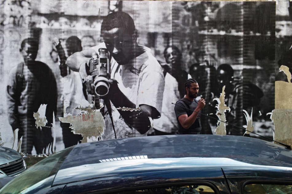 Ghetto-Artwork: Polizist Gwada (Djebril Zonga) kennt sich in Clichy-Montfermeil bestens aus: Denn er ist in diesem brodelnden sozialen Pulverfass aufgewachsen.