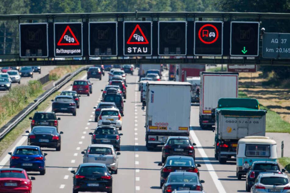 Auf vielen Autobahnen in Richtung Norden und Süden ist ab Mittwochmittag mit Staus zu rechnen.