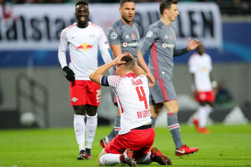RB am Boden! RB Leipzig verpasste den Sprung ins Achtelfinale der Champions League.