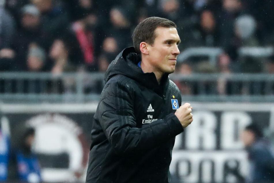HSV-Trainer Hannes Wolf kann sich über den deutlichen Sieg im Derby freuen.