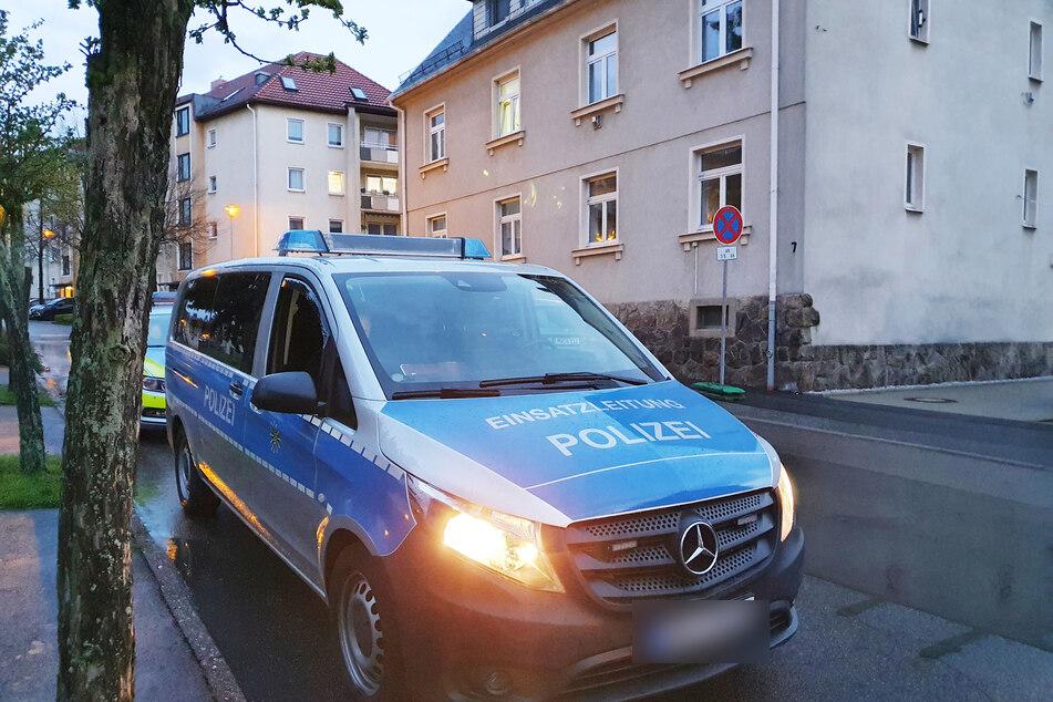 Chemnitz: Sturzbetrunkene Frau (53) soll Freund lebensgefährlich verletzt haben: Festnahme!