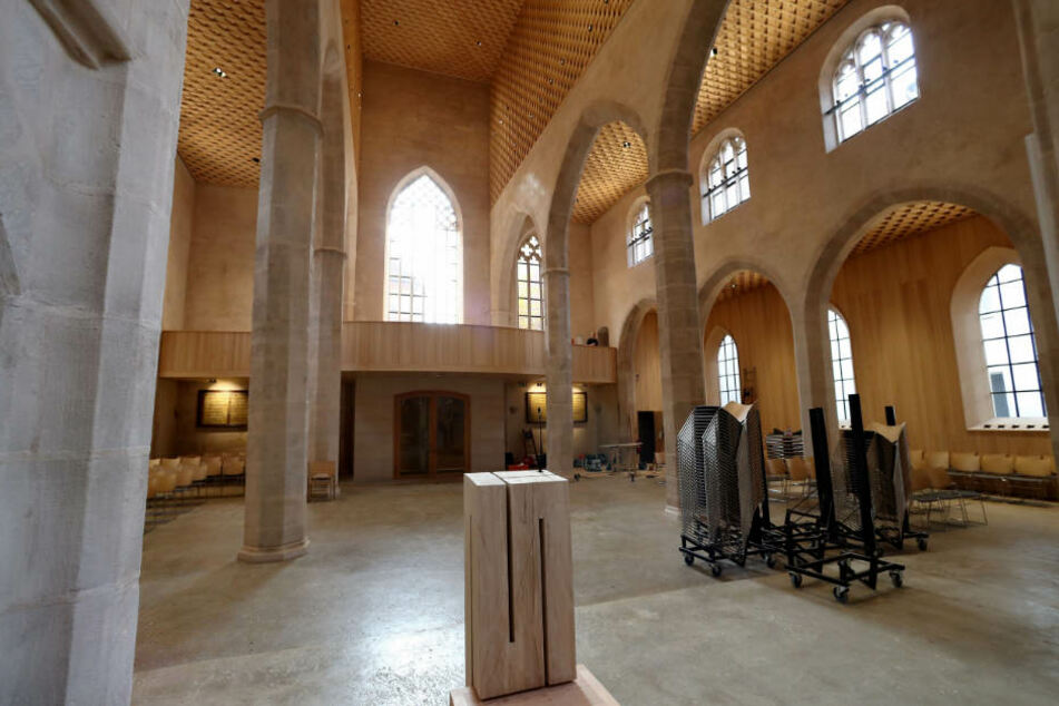 Die historische Nürnberger Kirche St. Martha erstrahlt endlich wieder im neuen Glanz.