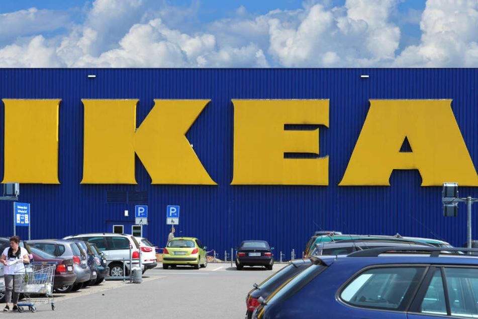 Mordversuch Mann An Ikea Kasse Niedergestochen Tag24