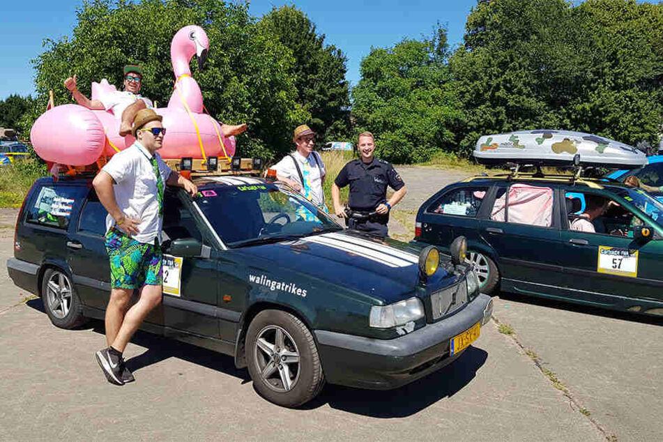 """Flamingo auf dem Dach: Beim """"Carbage Run"""" ist alles erlaubt."""