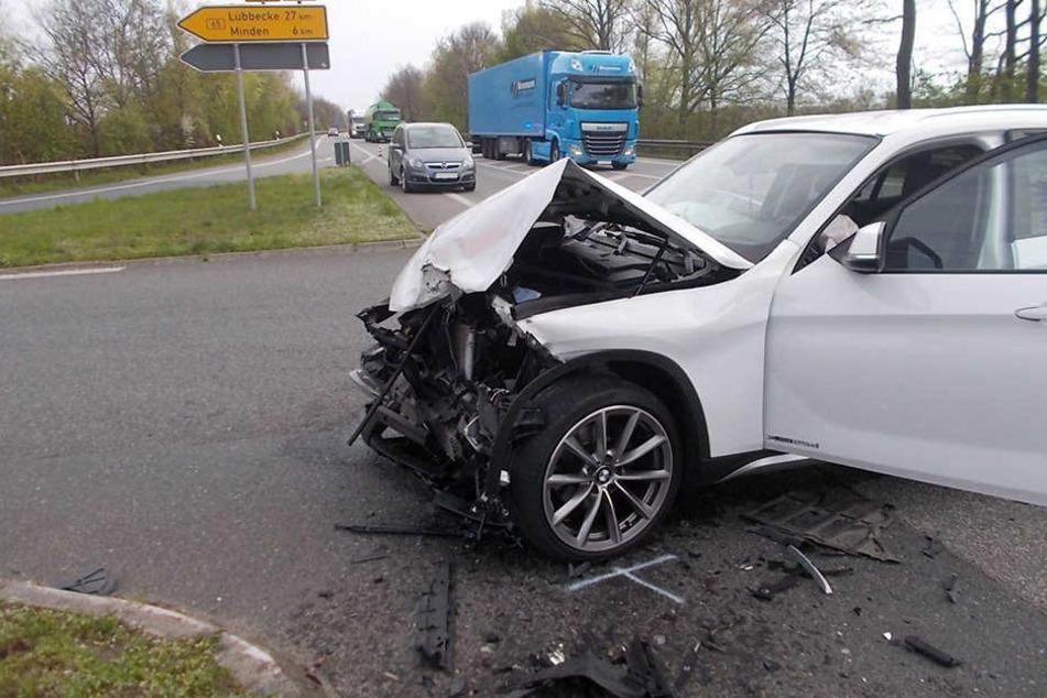 Der BMW der Bielefelderin war komplett zerstört. Sachschaden circa 30.000 Euro.