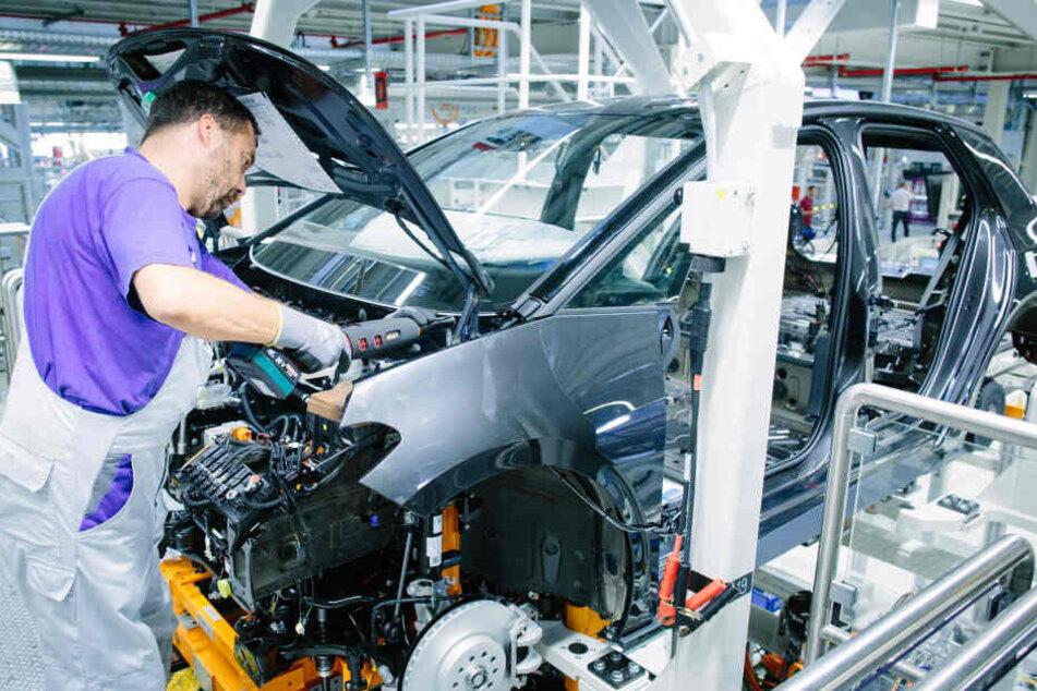 Die neuen Elektro-Autos werden in Zwickau produziert. Dafür hat der Konzern das gesamte Werk komplett umgerüstet.