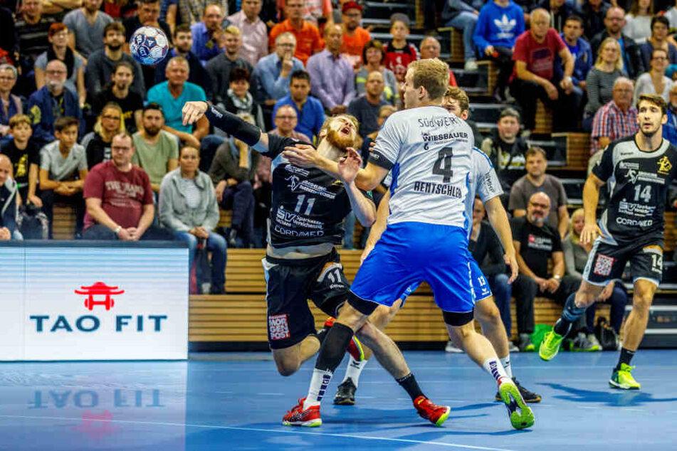 Arseniy  Buschmann (11) gegen Patrick Rentschler.