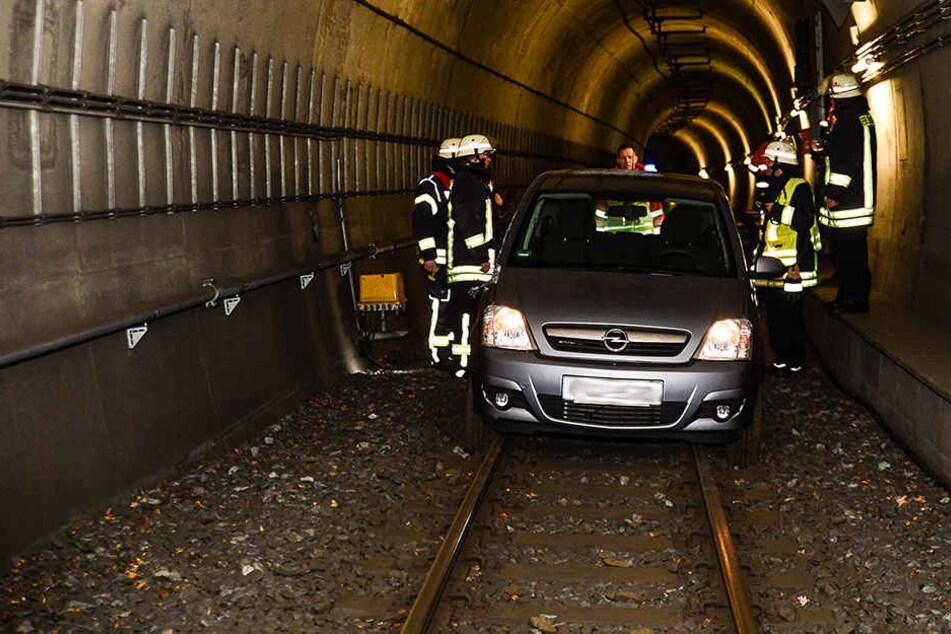 Die Rechnung der Verkehrsbetriebe MoBiel hat die Stradtbahntunnel-Fahrerin schon auf dem Tisch.