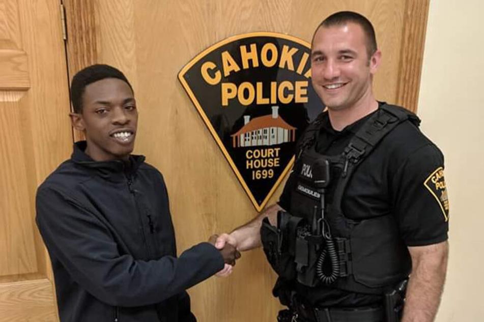 Mann wird ohne Führerschein erwischt, doch Polizist denkt gar nicht daran, ihn zu bestrafen