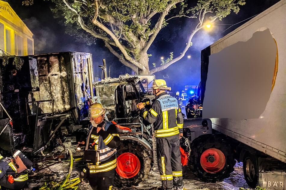 Der Lkw ist ausgebrannt.