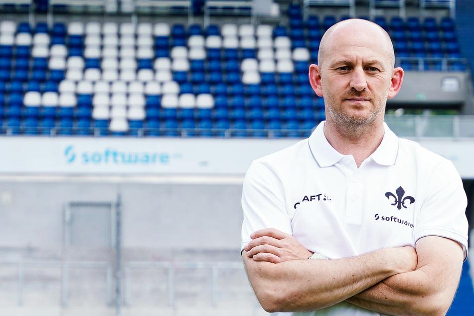 """Darmstadts Chefcoach Torsten Lieberknecht (47) bekundete seinen """"allerhöchsten Respekt"""" vor jedem einzelnen Spieler."""
