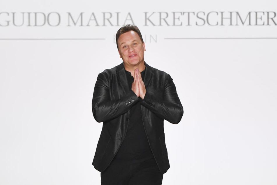 """Für die dieswöchige Ausgabe von """"Shopping Queen"""" rief Guido Maria Kretschmer das Motto """"Zeigt mit eurem Outfit, dass ihr die beste Zeit eures Lebens habt"""" aus."""