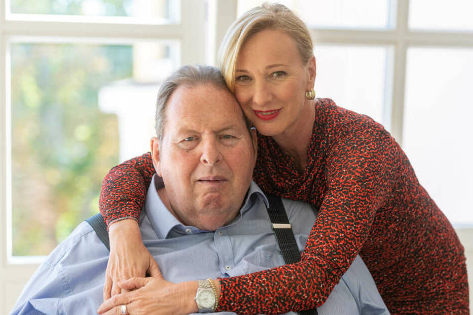 Ottfried Fischer (66), Schauspieler und Kabarettist und seine Lebensgefährtin Simone Brandlmeier (49).
