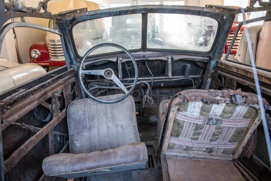 Blick in ein Restaurationsobjekt: Für rund 50.000 Euro kann dieses IFA F8 Cabrio saniert werden - wenn sich ein Käufer findet.