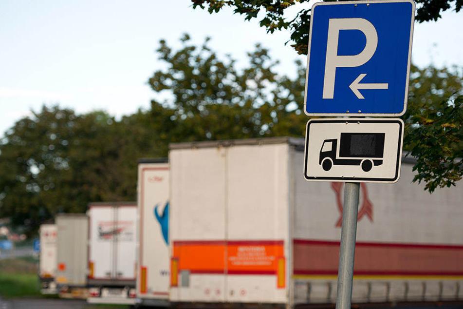 Anfang September überfielen Unbekannte einen Lkw-Fahrer auf dem Rastplatz Pösgraben an der A 38. (Symbolbild)
