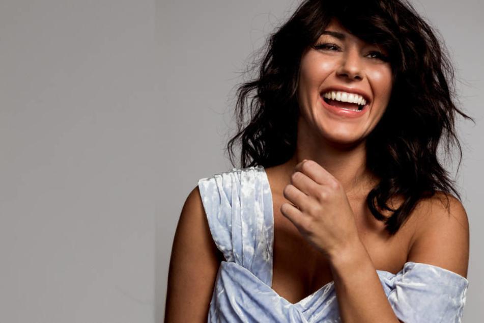 Jetzt Ist Sarah Lombardi Zurück Neue Tv Show Neue Single Neue Frisur