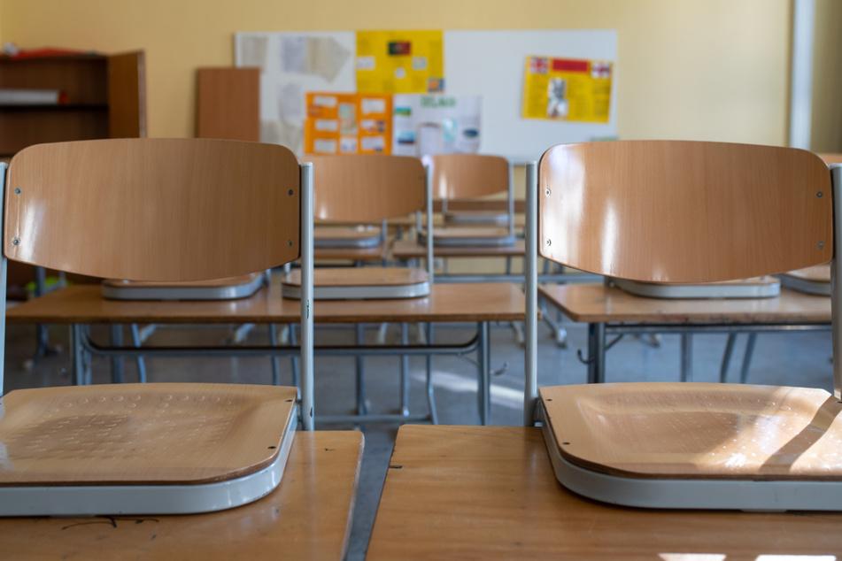 Nach dem Beschluss der Länder über neue Quarantäne-Regeln bei Corona-Fällen in Schulen berät Baden-Württemberg erneut über die Bestimmungen zum Schulstart am 13. September. (Symbolbild)