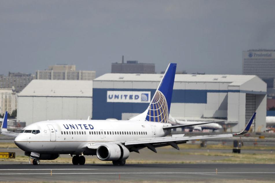 """Die Fluggesellschaft """"United Airlines"""" wird seit dem Prügel-Vorfall heftigst kritisiert."""