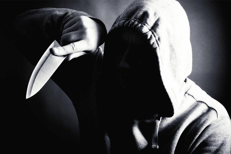 17-Jährige bei Messerangriff verletzt: Polizei sucht Zeugen